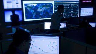 """I segreti a rischio dell' Italia. La grande falla nei computer dell'esercito: """"Da lì gli hacker possono arrivare ovunque"""""""